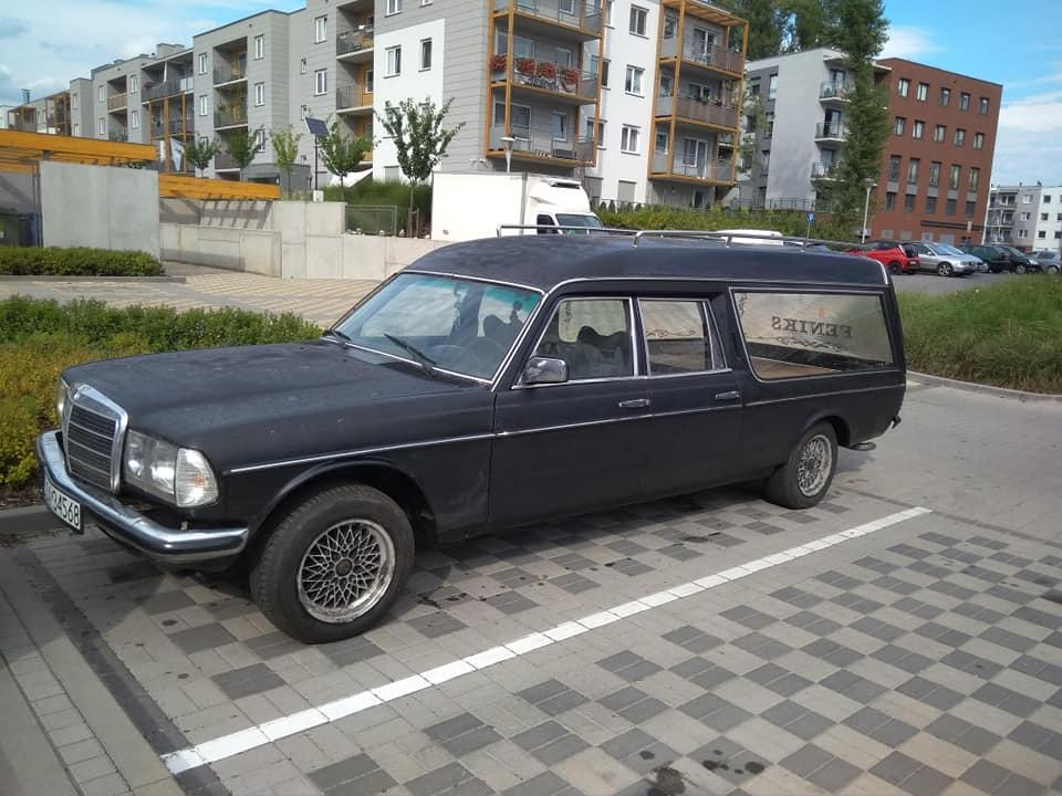 Klasa E – S123 250E 1981 – 12500PLN – Wrocław